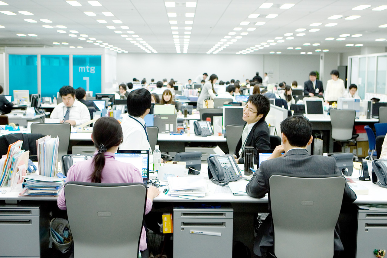 japanese-open-office-environment