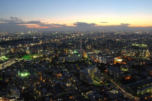 Từ đây bạn có thể ngắm cảnh sắc ngoạn mục của trung tâm Tokyo